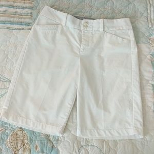 Dockers White Bermuda Shorts 6